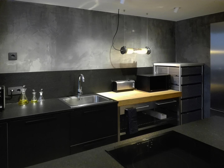 14 Petit apartament Blanes interior cuina oberta