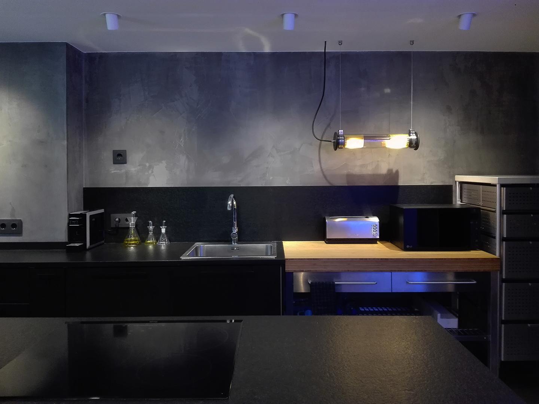17 Petit apartament Blanes frontal zoom cuina 2