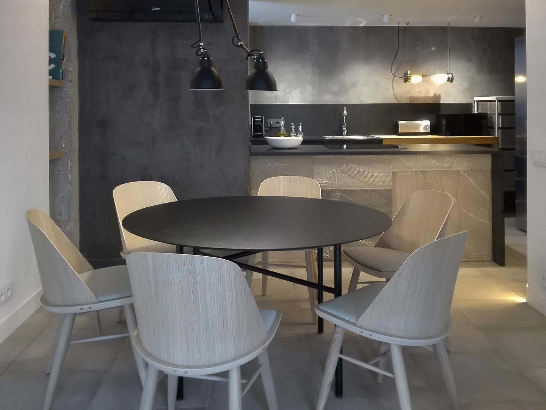 5 Petit apartament Blanes menjador cuina 2