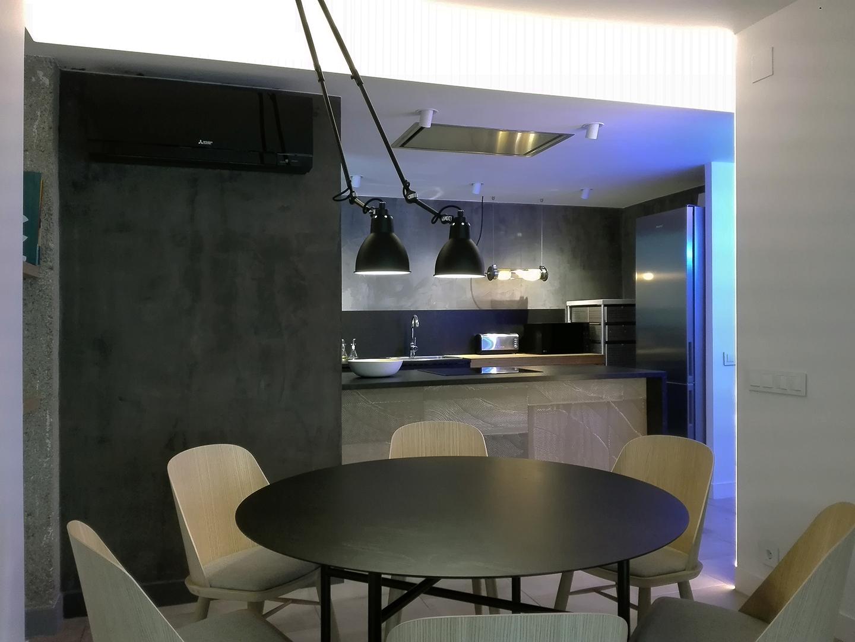 8 Petit apartament Blanes menjador cuina 3